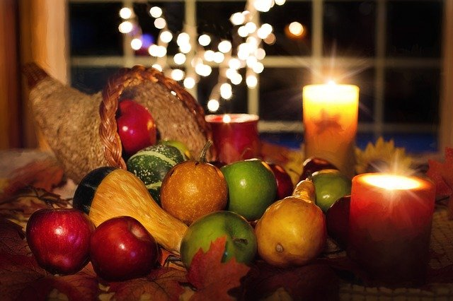 Thanksgiving Traditions & Customs